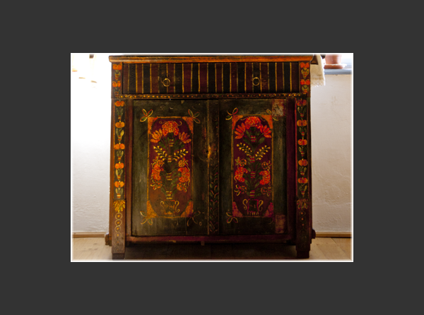 Saxon painted armoire